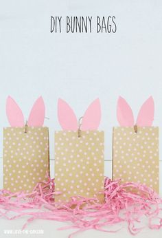 DIY Bunny Craft Bags by Lindi Haws of Diy bunny craft bags Easter Activities For Kids, Crafts For Kids, Diy Crafts, Bunny Party, Easter Party, Easter Table, Easter Eggs, Bunny Crafts, Easter Crafts