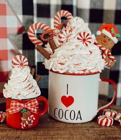 Christmas Kitchen, Christmas Love, Christmas Signs, Christmas Crafts, Christmas Decorations, Christmas Hot Chocolate, Hot Chocolate Bars, Diy Whipped Cream, Whipped Topping