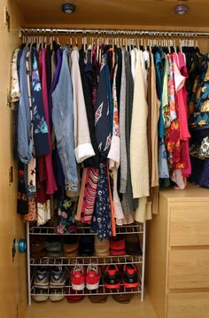 Creativity in Doses: How to Organize a Dorm Closet.  Good advice when you are losing a lot of space moving into your dorm room!  #backtocollege #dormroom