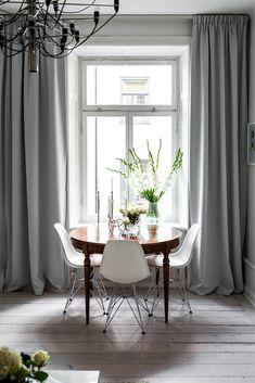 Post: Piso nórdico con recibidor barroco --> blog decoración nórdica, decoración naranjas fucsias, espejo labrado dorado, estilo barroco, estilo escandinavo, hall recibidor diferente, piso nórdico