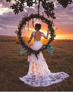 Trendy Bohemian Wedding Decorations ❤ bohemian wedding hoop shaped swing with greenery and blue orchids najudecastro wedding inspiration Trendy Bohemian Wedding Decorations Bohemian Wedding Decorations, Boho Wedding, Destination Wedding, Dream Wedding, Wedding Day, Wedding Centerpieces, Tulle Wedding, Wedding Reception, Rustic Wedding