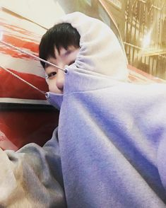 "n년전 오늘의 조승연 on Twitter: ""160919 조승연  From: seungyoun instagram update… "" Living In Korea, King Of My Heart, Yuehua Entertainment, My Boo, Boyfriend Material, Boyfriend Style, Celebs, Celebrities, Grey Hoodie"
