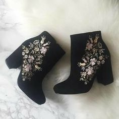 Embroidered booties have quickly become one of my favorite shoes for spring. You can view my favorite embroidered booties via the slideshow below. Pretty Shoes, Cute Shoes, Me Too Shoes, Shoe Boots, Ankle Boots, Shoes Heels, Black High Heels, Shoe Closet, Crazy Shoes