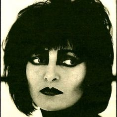 siouxsie sioux ; that make up. ♥