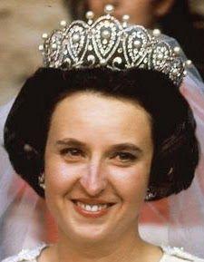 Tiara Mania: Diamond & Pearl Loop Tiara worn by Infanta Pilar of Spain