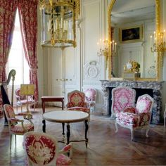 Marie Antoinette's Rooms | #DesignLUX Brings the Fairy Tale Home