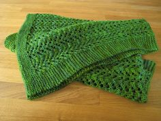 http://www.ravelry.com/patterns/library/pine-forest-baby-blanket http://www.ravelry.com/projects/kamelone/pine-forest-baby-blanket