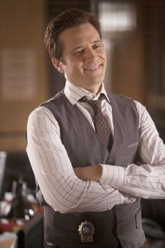 Seamus Patrick Dever (born July is an American actor best known for his role as Detective Kevin Ryan in the ABC series Castle. Seamus Dever, Castle Tv, American Actors, Celebrity Pictures, Detective, Tv Shows, Celebrities, Celebs, Celebrity