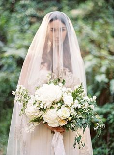 photo by Lauren Peele Photography, flowers by Sarah Winward, veil by Ivory & White