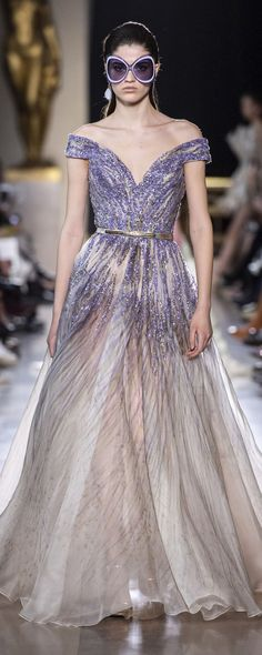 """ELIE SAAB Haute Couture Spring Summer 2019 / ✨ xoxo — use my ibotta code """". Elie Saab Couture, Style Couture, Haute Couture Fashion, Couture Details, Fashion Week Paris, Spring Fashion, Trendy Fashion, Beautiful Gowns, Beautiful Outfits"""