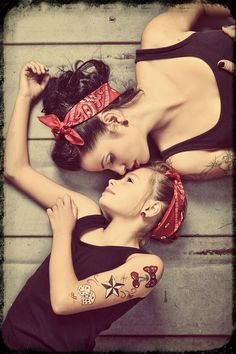 Rockabilly Mother & Daughters would love to do this with my baby girl - PinUp Girls Mother Daughter Pictures, Mom Daughter, Mother Daughters, Pin Up Photography, Family Photography, Photography Classes, Tattoo Photography, Photography Backdrops, Pin Up Girls