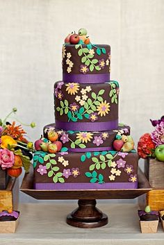 beautiful Cake - can these be piped with buttercream? Onto a vanilla background?