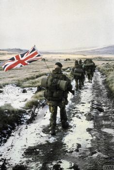 June Falklands war ends The Falklands war, known in argentina as the Guerra del Atlántico Sur or the South atlantic war. Was an 10 week war between the argentinian military Junta and the British government under the leadership of Margaret. British Royal Marines, British Armed Forces, British Soldier, Division, Chile, Marine Commandos, British Overseas Territories, Falklands War, War Photography