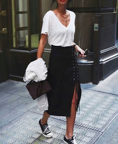 White tee // converse street chic // lace up skirt // simple style