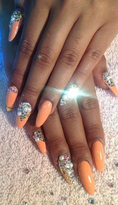 Blinged Out Nails ♥