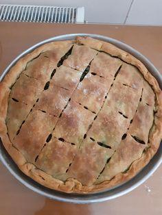 Λαχταριστή χορτόπιτα με διάφορα αρωματικά χόρτα που είναι στην εποχή Apple Pie, Desserts, Food, Tailgate Desserts, Deserts, Essen, Postres, Meals, Dessert