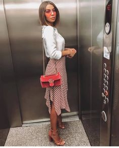 Trendy Summer Outfits Ideas for Women Street Style « letterformat. Pin Up Outfits, Dressy Outfits, Mode Outfits, Chic Outfits, Spring Outfits, Fashion Outfits, Stylish Work Outfits, Spring Wear, Fashionable Outfits