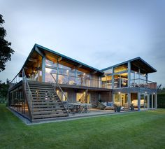Hurricane-Proof Wood & Steel Waterfront Home - Long Island, New York