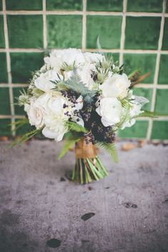 ivory and green bouquet // photo by Floataway Studios // flowers by Twig and Twine