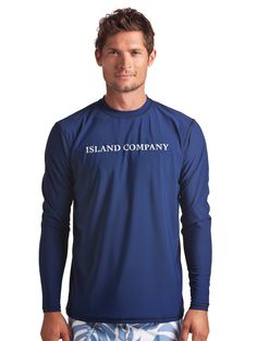 This Loose-Fit Navy Rash Guard for men is cool on your skin. Waves roar and the sun beats on your face