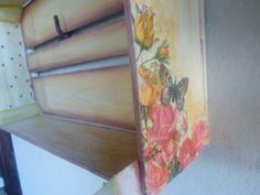 Caixote de feira com decoupagem.