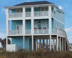 Veronique Retreat - 5 bedroom/5.5 bath - sleeps 18; beachfront in Bay Harbor; Sand 'N Sea Properties LLC, Galveston, TX