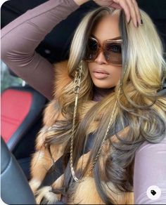 2021 Spring & Summer Hair Color Trends for Black Women – The Style News Network Summer Hairstyles, Pretty Hairstyles, Wig Hairstyles, African Hairstyles, Lace Front Wigs, Lace Wigs, Black Hair Inspiration, Natural Hair Styles, Long Hair Styles