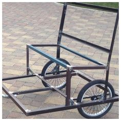Here is the seat bolted onto the bottom frame. Bicycle Sidecar, Tricycle Bike, 24 Bike, Bike Cart, Velo Design, Electric Bike Kits, Horse Cart, Bike Trailer, Cargo Bike