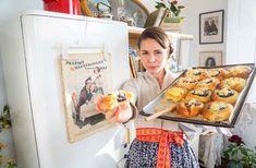 Poctivé dvojctihodné koláče — CULINA BOTANICA Diaper Bag, Puff Pastries, Tarts, Mince Pies, Pies, Diaper Bags, Mothers Bag, Tart, Cakes