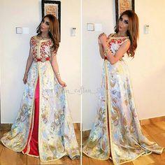 @moroccan_caftan_style sur Instagram : @dunia_batma اللباس من @lalaalarousa #moroccancaftan #moroccantradition #moroccandress #moroccanstylist #douniabatma #dunia_batma #lalaalarousa #moroccandresses #moroccanbeauty #caftan #maroc #starsencaftan #stars_en_caftan #moroccan_caftan_style #moroccandesign #kuwait #dubai #liban #morocco #lebanon #fashion #قفطان #تكشيطة #تقاليد #المغرب #التكشيطة_المغربية #الجلابة_المغربية #القفطان_المغربي