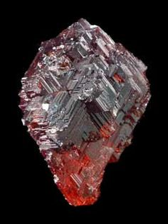 Garnet: Increases expression of warmth & devotion + helps one implement creative endeavors wonder if thats true Chakra Crystals, Stones And Crystals, Gem Stones, Minerals And Gemstones, Rocks And Minerals, Healing Stones, Crystal Healing, Sticks And Stones, Rocks And Gems