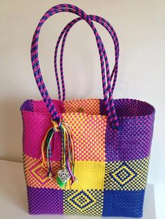 Handmade woven plastic tote bag mexican by Miamorcitocorazon Mexican Embroidery, Embroidery Bags, Basket Bag, Wire Basket, Cluch Bag, Bargello Needlepoint, Christmas Embroidery Patterns, Hexagon Pattern, Red Bags