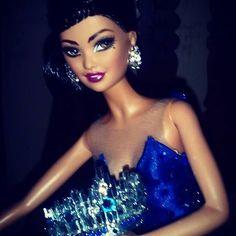 Miss Universe 2015 Doll  #mutyabarbie  #carlylenuera  #dudeswithdolls