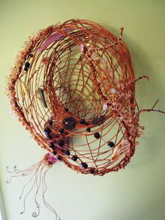 Beaded wire sculpture – Sea series 3 by Dina