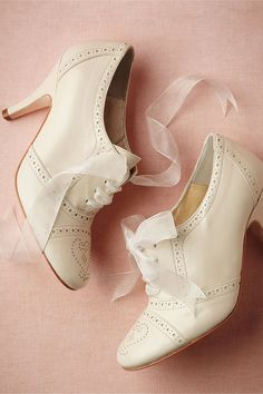 Super sweet ivory oxford with heart detailing on the shoe. Oh my gosh! I want these!