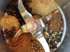 Przyprawa do piernika jest to przepis stworzony przez użytkownika Gos. Ten przepis na Thermomix<sup>®</sup> znajdziesz w kategorii Przepisy podstawowe na www.przepisownia.pl, społeczności Thermomix<sup>®</sup>. Garlic Press, Can Opener, Food And Drink, Herbs, Canning, Kitchen, Gastronomia, Cooking, Kitchens
