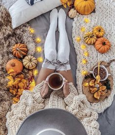 Image about girl in Halloween 🎃 by ᴬˡᶤᵃᶰᵒᵛᶰᵃ † Halloween Tumblr, Fall Halloween, Winter Poster, Fall Inspiration, Winter Illustration, Autumn Cozy, Autumn Witch, Autumn Fall, Autumn Aesthetic