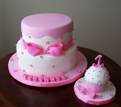 First birthday cake and cupcake by cakespace - Beth (Chantilly Cake Designs), via Flickr with a smash cake