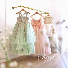 Let's play with pastel colors 💕✨. Our dresses are on special offer. Contact us for more details. Girls Party Dress, Little Girl Dresses, Baby Dress, Girls Dresses, Flower Girl Dresses, Outfits Niños, Kids Outfits, Little Girl Fashion, Kids Fashion