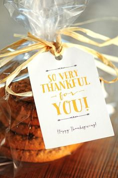 Free Thanksgiving Gift Tags & Note Card Printables for sharing Thanksgiving | http://holiday.lemoncoin.org