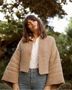 Fashion Deals, Silhouette, Knitwear, Bell Sleeves, Style Inspiration, Knitting, My Style, Sweaters, Sweater Coats