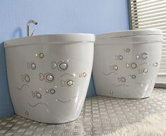 Resultados de la Búsqueda de imágenes de Google de http://www.decorablog.com/wp-content/2011/05/vitruvit-bathroom-collection-young-swarovski-4.jpg