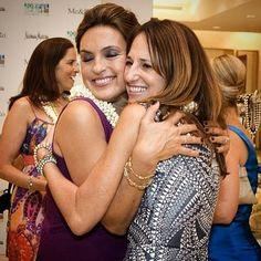 Legend says that Mariska's hugs have magical healing powers 💫♡ Can y'all confirm this? - #mariskahargitay #svu #throwbackthursday