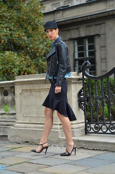 #fashion #fashionista Borjana Beeswonderland: Ruffle bodycon skirt