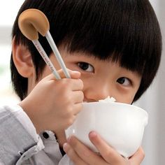 22 Chopstick Designs for Children - From Anime Character Chopsticks to Lucky Cutlery Helpers (TOPLIST)
