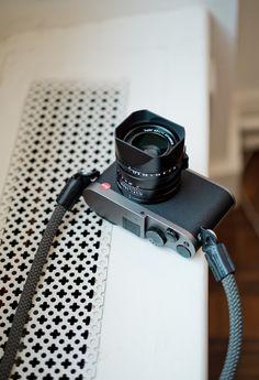 Leica Q Titanium Grey*