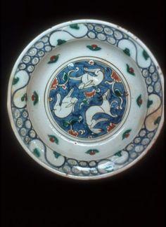 Art, Islamic  Iznik pottery -- 16th century -- Turkey  Plates (Tableware)  Animals Turkish Art, Turkish Tiles, Science Crafts, Science Art, Glazes For Pottery, Pottery Art, Turkey Plates, Pottery Designs, Animal Design