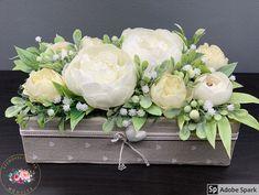 """Kézműves Csodák Műhelye on Instagram: """"Fehér elegancia asztaldísz ❤️ A kaspó 25 cm hosszú és 12 cm széles Ajándékként küldd egyenesen a címzettnek, ha kísérő szöveget is küldesz…"""" Floral Wreath, Wreaths, Instagram, Home Decor, Elegant, Floral Crown, Decoration Home, Door Wreaths, Room Decor"""