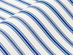 Wulffinger: feine Struktur, gestreift, leuchtendes mittelblau auf weiß, edler…