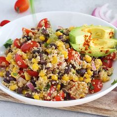 quinoa recipes Make this light and refreshing quinoa salad recipe with ingredients you probably already have on hand! This flavorful Mexican salad is vegan and gluten-free and the perfect vegetarian meal to add to your rotation. Mexican Quinoa Salad, Mexican Salads, Salad With Quinoa, Meals With Quinoa, Quinoa Chickpea Salad, Quinoa Avocado Salad, Southwest Quinoa Salad, Healthy Mexican Recipes, Wild Rice Salad